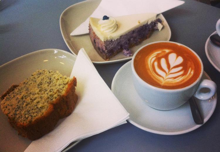 BROKEN_ARM - café