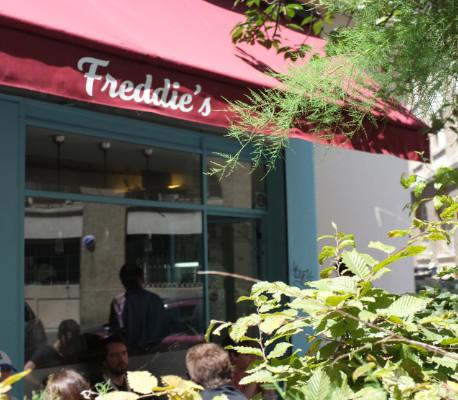 Freddie's Deli - sandwich Camion qui fume - Paris 11e